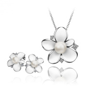Noble sweet 18 k white gold plated flowers with pearls suits