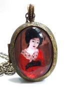 Vintage Style Antique Bronze Geisha Girl Cameo Locket Pendant Necklace