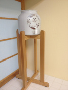 Porcelain Water Dispenser Kitties Design and Natural Floor Stand