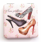 Square Shaped Shoe Detail with the Text 'Sans problemes' Compact Mirror