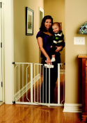 Regalo Easy Step Walk Thru Safety Baby Gate, White - Adjustable Wide and Tall Modern Retractable Gates for Stairs, Play Yard - Easy Installation - Neutral Styling and Colour Complements Home Decors