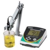 Oakton WD-35420-20 Instruments Series pH 2700 Benchtop Metre with pH Electrode, ATC Rrobe, Electrode Stand, and Software