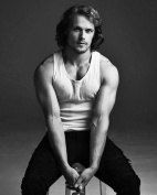 HOT HUNK - Sam Heughan / Outlander 8 x 10 GLOSSY Photo Picture Image #7