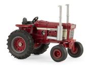 1:64 International Harvester 1568 V8 Tractor