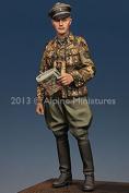 Alpine Miniatures 1:35 WWII Waffen SS Grenadier Officer - Resin Figure #35164