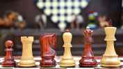 Russian Zagreb Staunton Chess Pieces in Bud Rose Wood / Box Wood - 9.7cm King