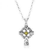 AUGUST BIRTH STONE (PERIDOT) ON A 925 SILVER CELTIC CROSS PENDANT NECKLACE ON 46cm CHAIN