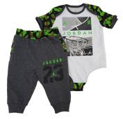 Jordan Little Boys' 2-Piece Bodysuit & Pants Set
