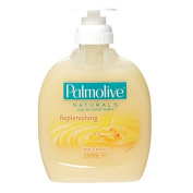 Palmolive Soft Wash Milk and Honey Handwash Pump 250ml