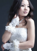Exquisite Fingerless Lace with Rhinestone Flower Bridal Glove
