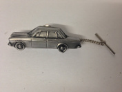 Volvo 164 Saloon 3D CAR Tack Tie Pin With Chain ref286