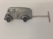 Austin 101 van 3D CAR Tack Tie Pin With Chain ref14