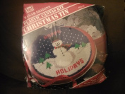 Plastic Canvas Kit Christmas Tin Happy Holiday 18cm round
