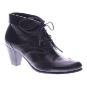 Women's Spring Step Conquer Bootie Black Leather
