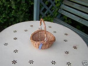 TRADITIONAL SMALL WICKER EGG BASKET & SWIVEL HANDLE