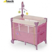 Hauck Dream 'n' Care Centre in Butterfly Travel Cot.