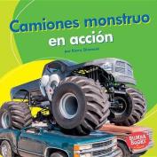 Camiones Monstruo En Accion (Monster Trucks on the Go) (Bumba Books en Espanol Maquinas en Accion  [Spanish]