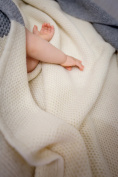 100% merino wool blanket knitted by NordSnow anti-allergic and very soft, made in Europe