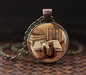 Vintage books and cat pendant necklace, Book lover necklace, Books jewellery, librarian gift, writer teacher gift, Bibliophile gift