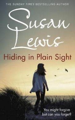 Hiding in Plain Sight (The Detective Andee Lawrence Series)