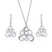 925 Sterling Silver Good Luck Irish Heart with Triangle Celtic Knot Vintage Jewellery Set