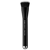 Marc Jacobs Beauty The Shape Contour and Blush Brush No. 15