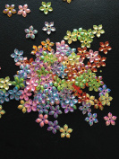 Pack of 100pcs Flower Sequins Sewing Scrapbooking Crafts Embellishments Card Making Plastic Beads Applique Wedding Appliques Floral Small Shiny and Sparkly Holographic 9mm