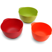 Farberware 3 Piece of Assorted Plastic Mixing Bowls Set with Non Slip Base