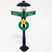 Lego Minifigure Holiday City/Town Street Sign and Lamp Post - Corner of Front & Main