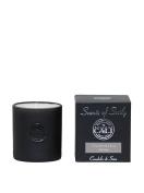 Cali Cosmetics 330ml Hydrangea Candle, Black