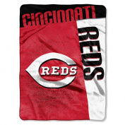 The Northwest Company MLB Cincinnati Reds Strike Raschel Blanket, 150cm by 200cm