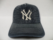American Needle MLB New York Yankees Fade out 2 Tone Snapback Cap