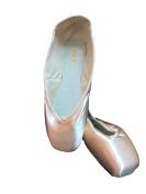 131 serenade bloch pointe shoes size 5.5 b width