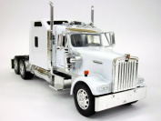 Peterbilt W900 Truck Diecast Metal 1/32 Scale Truck Model - WHITE