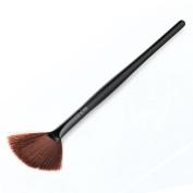 Leoy88 1pc Fan Shap Blush Brush for Face Powder