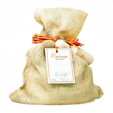 Bath salts with orange (1500 g) in a jute sack with wooden scoop. Unique packaging! Particularly suitable for hot tub, jacuzzi and whirlpool baths!