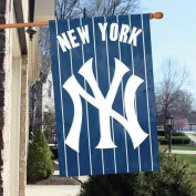 Official Major League Baseball Fan Shop Authentic MLB Man Cave Flag - Banner. This Oversize 110cm X 70cm Flag Is Great for Indoors/outdoors All Season Long. Heavy-weight Nylon and Applique Embroidery Will Make Your Any Room Show Support for the New Yor ..