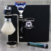 Black Colour 3 Pieces Shaving Kit For Men's. The set