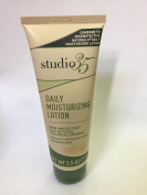 studio 35 Daily Moisturising Lotion Skin Protectant with natural colloidal Oatmeal . Dry skin . Locion para la piel seca .