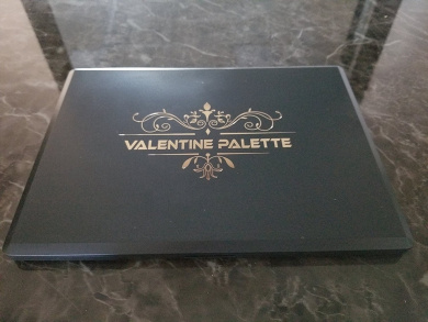 Valentine Palette brand Eyeshadow Makeup 35 Shimmers and Mattes New 2017