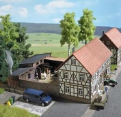 Busch 1530 New Rural Buthchers Shop Kit