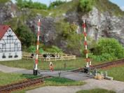 Auhagen 41604 New Ho Level Crossing Kit