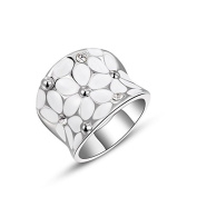 Austrian Crystal-Inlaid Platinum Plated White Flower Design Ring Ring Size UK N