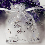 100 PCS 6.9cm x 8.9cm Organza Wedding Gift Bags Drawstring Jewellery Pouch Bags Silver White Snowflakes Printed Sheer Party Favour Bags
