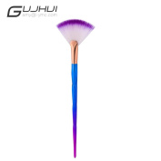 Fan Style Brush Portable Slim Professional Makeup Brush