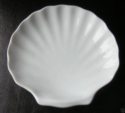 GSL - 6 x White Ceramic Porcelain Scallop Shell Dishes 15cm