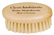 Natural Pig Bristle Oval Face Brush with Oiled Beechwood Handle, 7.3cm