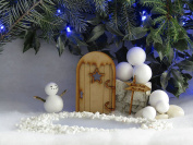 """Festive Elf Fairy Door. Three-Dimensional Self-Assembly Wooden Fairy Door Craft Kit with """"North Pole"""" Signpost"""
