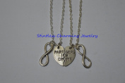 2 Partners in Crime, Infinity- Best Friends Necklaces/ Bff jewery, bff, Gift ideas, Best Friend Gift, Bff Gift, Friendship Necklace