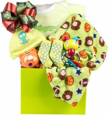 Newborn Baby Unisex Gift Basket with A Hat, Sleeper, Fleece Blanket, Socks, Rattle, Teether and Piggy Bank